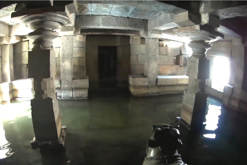 Ancient temples of Lord Shiva - Hampi